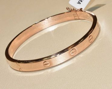 دستبند طلا کارتیه النگویی