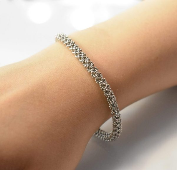 دستبند خودکاری سفید